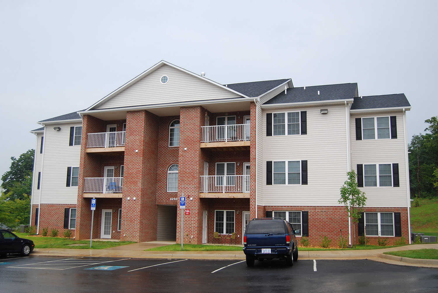 Cedar Hill Apartments - Winchester, VA
