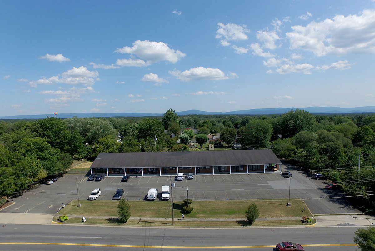 middletown courts exterior aerial