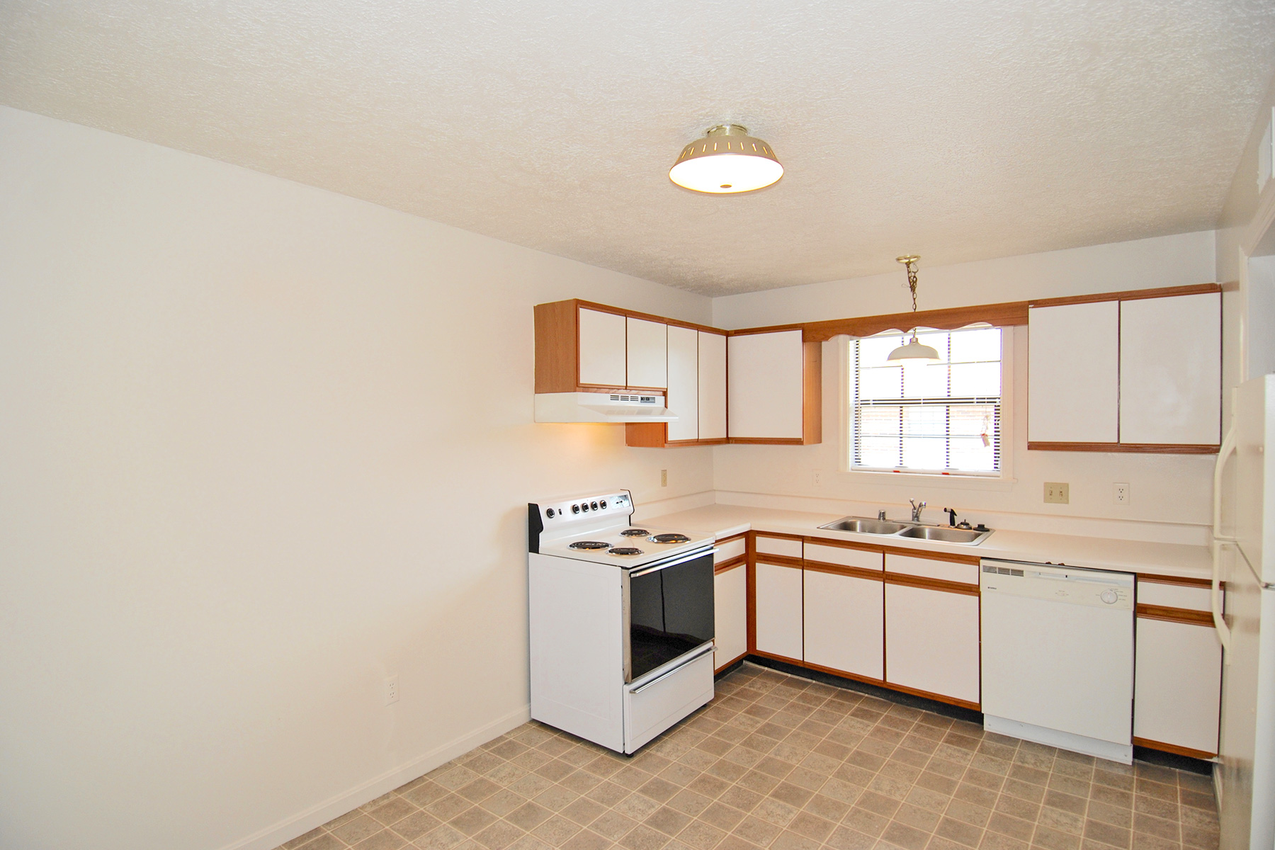 Shawnee terrace apartments aikens group for Terrace kitchen