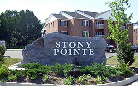 Stony Pointe Entrance